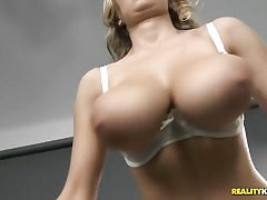 Huge fantastic all-natural tits!